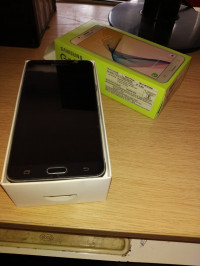 Samsung  Samsung galaxy on 8