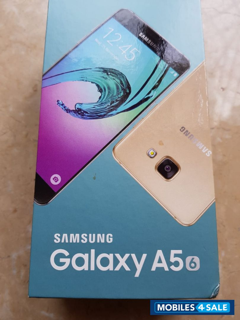 Gold Samsung Galaxy A5 2016