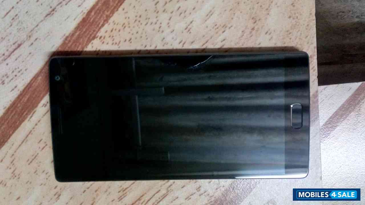 Black Gionee  One plus 2 sandstone black